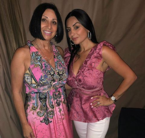 Ruzanna Khetchian with her mother, Janna Arutyunyan.