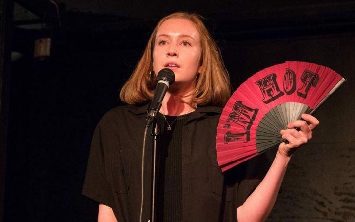 Hannah Einbinder during a standup gig.